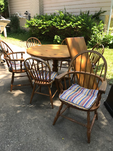Round wood table 6 chairs