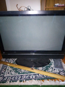 Flat screen  tv analog 20 dollars