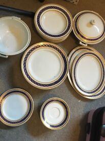 Classic company fine porcelain dinner set