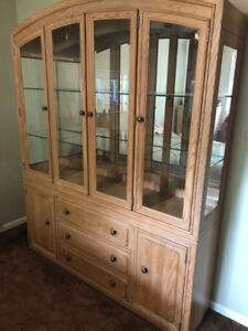 DeBoer's Hutch & Buffet and Dining Room Table and Chairs