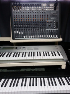 Mackie console CFX16