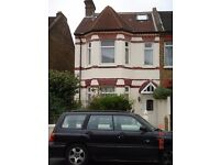 ROOMS TO LET IN 5 BEDROOM SHARED HOUSE CLOSE TO WEST EALING TRAIN STATION