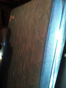 Double mattress and box spring new