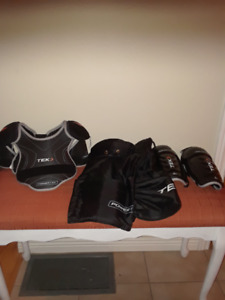 EQUIPEMENT DE PROTECTION HOCKEY