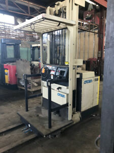 Crown Order picker 3000 lb in good condition.