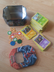 boîte et cartes Pokemon cards with tin