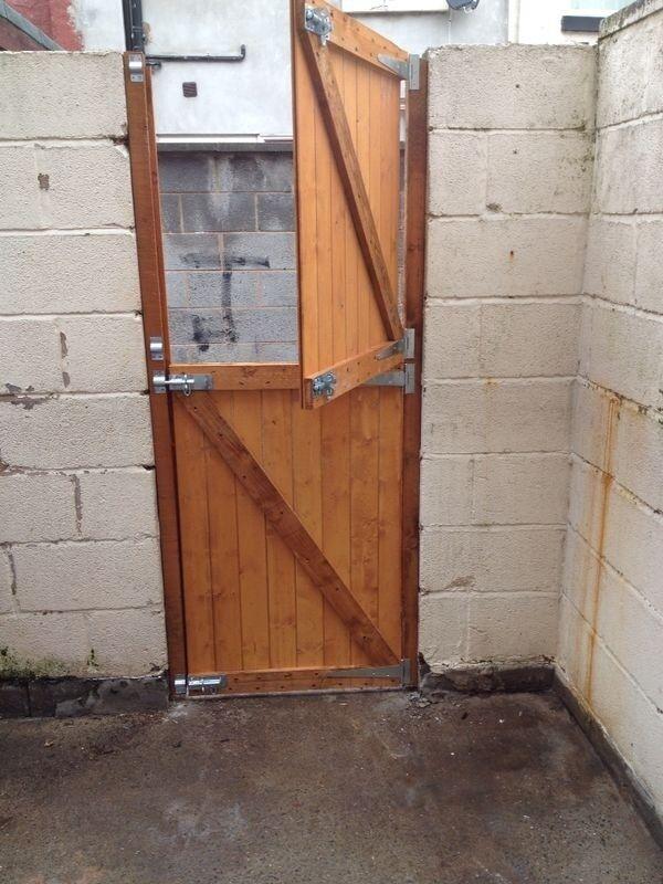 Soild Wooden Back Side Garden Gates Driveway Gates Garage Doors