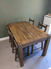 Solid wood table with walnut veneer + 4 Chairs