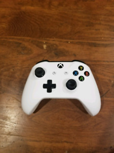 Xbox one controller with white skin