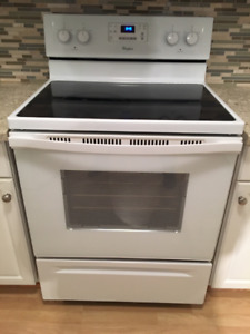 Whirlpool electric stove - like new, only 4 years old.