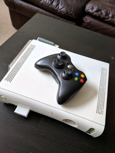 Xbox 360 w/ 7games + one controller