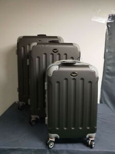 Suit case and Luggage Hard shell 3 pcs