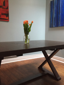 Dining Table: Super sturdy, expands to seat 8 (5ft 6X3ft 2)