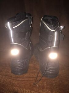 Brand new men's Thinsulate winter boots.  London Ontario image 4