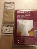 Wabasso Tablecloth and 4 Napkins Brand New in Package