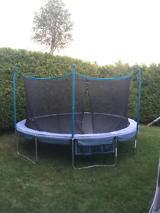 Trainor Sports 15-Feet Trampoline and Enclosure Combo