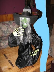 """Battery (included) operated ANIMATED """"RISING"""" HALLOWEEN WITCH"""