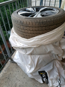 FIRESTONE 215/50R17 SUMMER TIRES + HONDA MAGS **ONLY 3M USED **