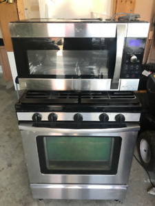 Freestanding Gas Range and Over-the-Range Microwave Oven