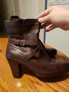 Clarks brown leather booties sz 11