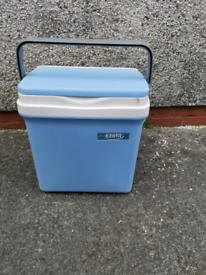 Cool box, very good condition.