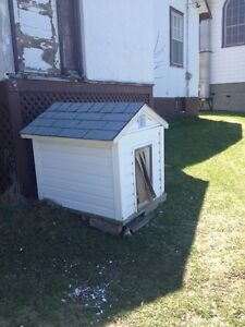 Dog House / Insulated with siding.