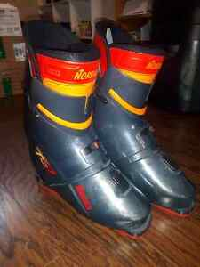 Nordica 757 Rear Entry Ski Boots Size 11-11.5