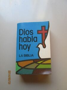 """BIBLE in SPANISH """"DIOS HABLA HOY"""" Soft Cover"""