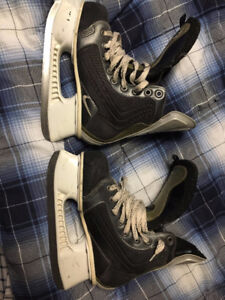 Used Nike Quest 4 Junior hockey skates (size 4.5 D)