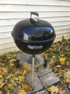 MOVING! Patio table/umbrella /Weber coalBBQ/starter/dining table