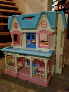 Vintage 1993 Loving Family Dreamhouse with accessories