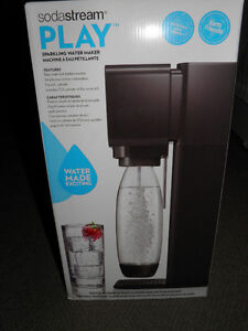 Sodastream Play Sparkling Water Maker new in box.