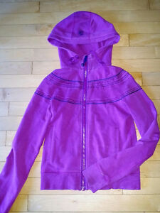 Lululemon Hoodie Size 6 Kingston Kingston Area image 1