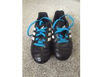 Kids football boots size 11 ☀️