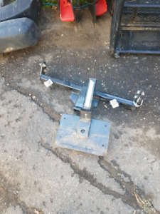 Jeep front hitch and winch mount