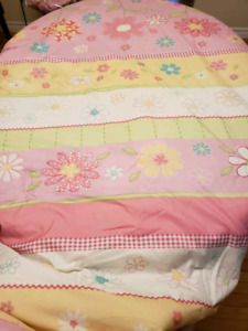 Reversible Double comforter and sheets