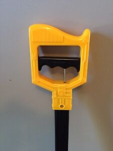 Toy GRABBER for Picking up Things!  FUN!! (Delete when sold) London Ontario image 3