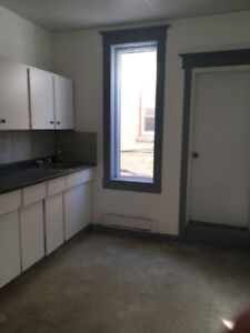 One Bedroom + DenSuite  ( include all hydro) At 668 Sargent
