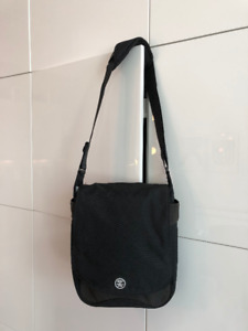Crumpler Luncheon Laptop and Document Shoulder Messenger Bag