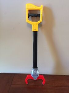 Toy GRABBER for Picking up Things!  FUN!! (Delete when sold) London Ontario image 2