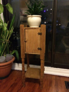 Antique, Rustic, Side table / Plant stand