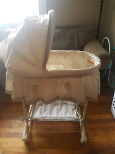 Gently used bassinet!