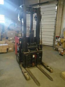 Used Raymond 31 - R30TT, Order pickup Electric Forklift 3000LB