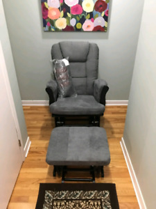 Grey Storkcraft Tuscany glider and nursing ottoman