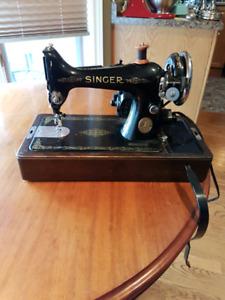 Vintage Singer Sewing Machine 99-13