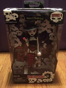 Malice in Wonderland BeGoth Doll