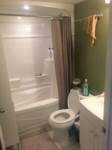 Quiet 2 Bedroom ALL Inclusive in the North End! Peterborough Peterborough Area image 2