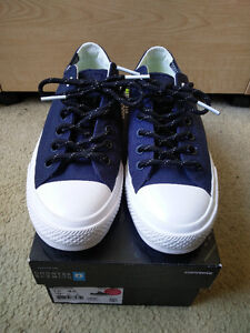 Brand New - Converse Chuck Taylor 2 Canvas Shield - Size 7.5