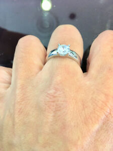 GORGEOUS EXQUISITE DIAMOND ENGAGEMENT RINGS FOR SALE