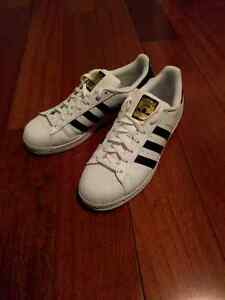 VNDS Adidas Superstars Size 11